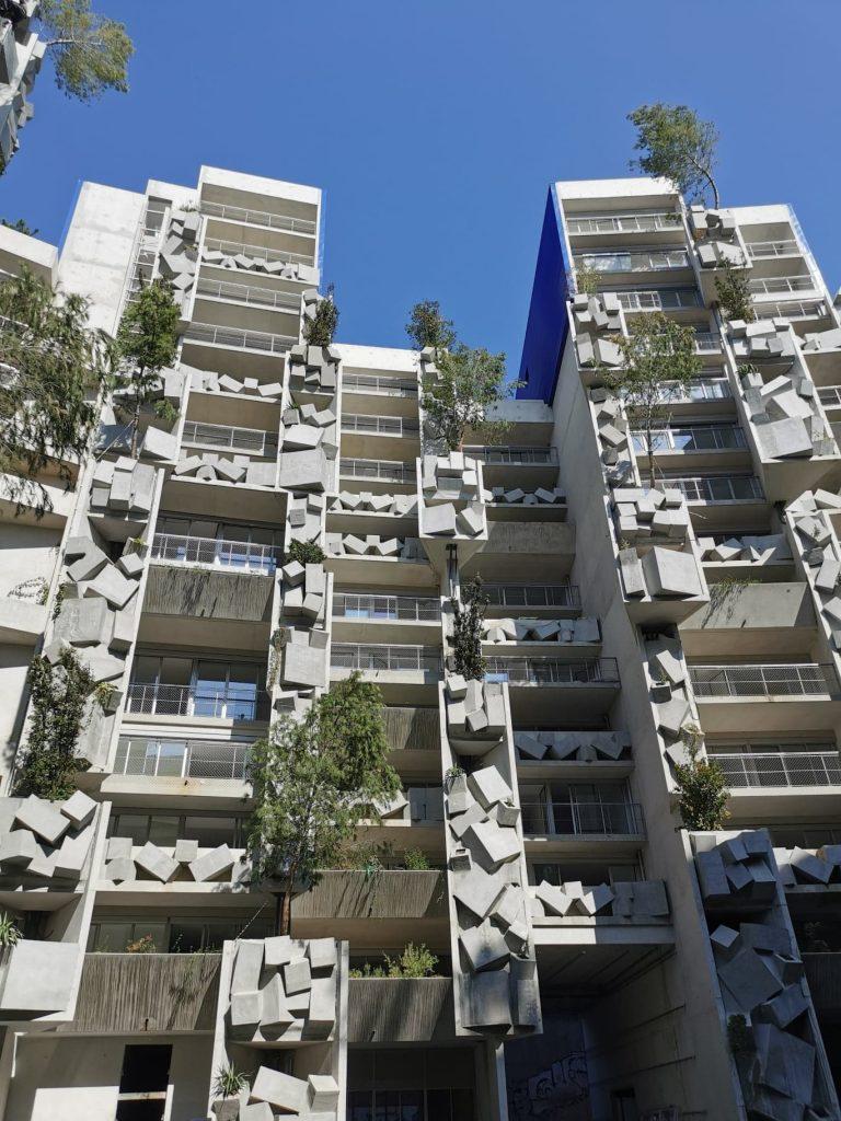 façade végétale avec arbres